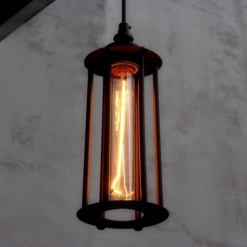 Toto-historické-závesné-svietidlo-je-vhodné-pre-milovníkov-štýlového-bývania.-Dodá-atmosféru-ako-keby-ste-žili-na-zámku-alebo-v-staršej-dobe-keď-edison-žiarovky-boli-úplnou-novinko