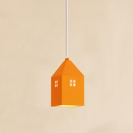 Detské závesné svietidlo v štýle mini domčeka v pomarančovej farbe